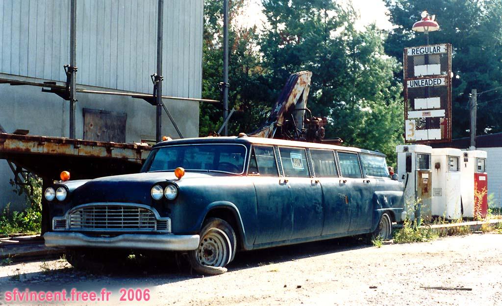 une limousine vendre c 39 est s rement un prix int ressant en plus elle a 8 portes 4 droite. Black Bedroom Furniture Sets. Home Design Ideas