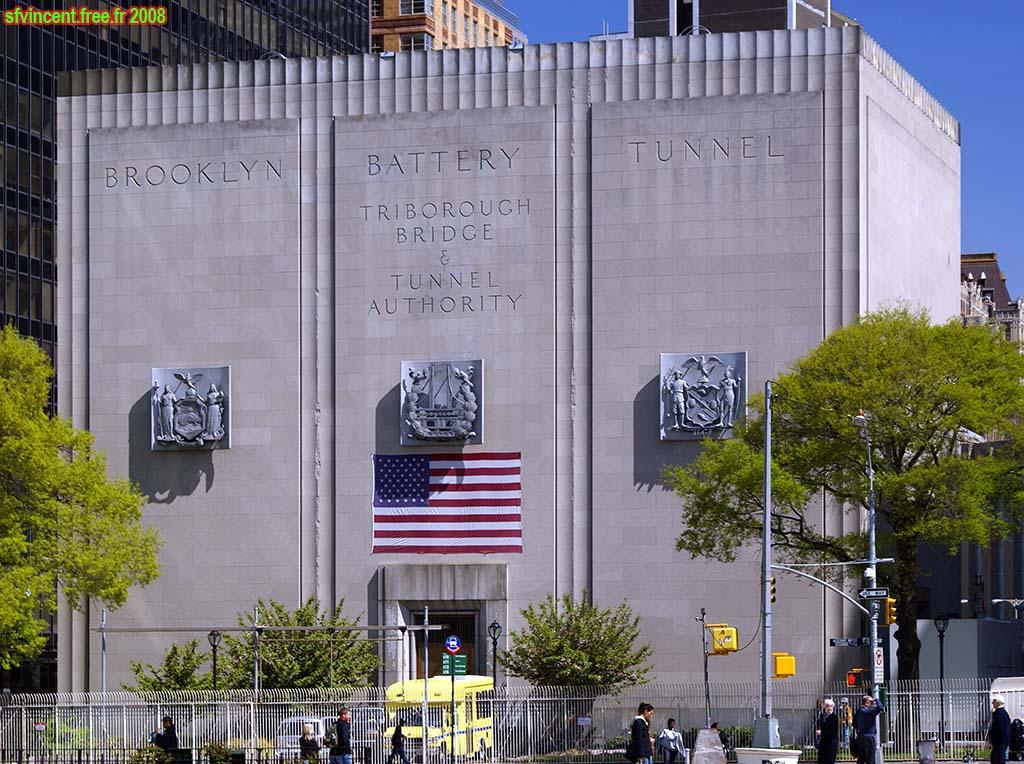 Cet étonnant building de Manhattan cacherait en réalité une antenne secrète de la NSA BridgeAndTunnelAuthority